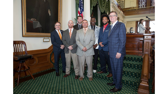 Mineola Yellowjackets 2016 State Championship football team honored at state capitol