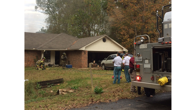 Crews extinguish house fire in Smith County, no injuries reported