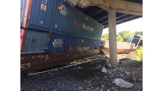 No injuries reported after train derailment in Jefferson